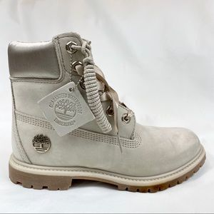 "NEW - TIMBERLAND Satin Accent 6"" Premium WP Boots"